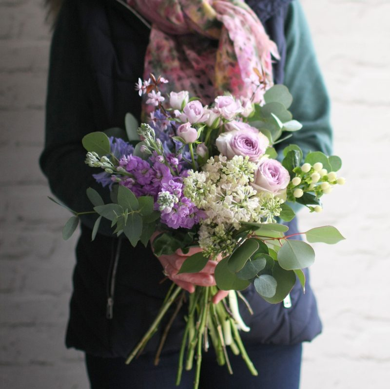 Small tied bouquet (lilac)