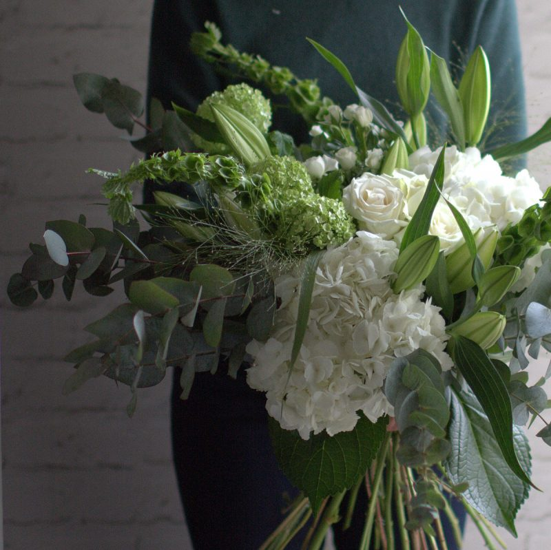 Large tied bouquet (white))